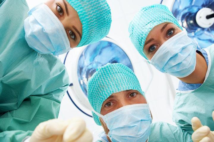 attention-une-etude-demontre-que-les-robots-chirurgiens-ne-sont-pas-aussi-fiables-que-le-pensez5